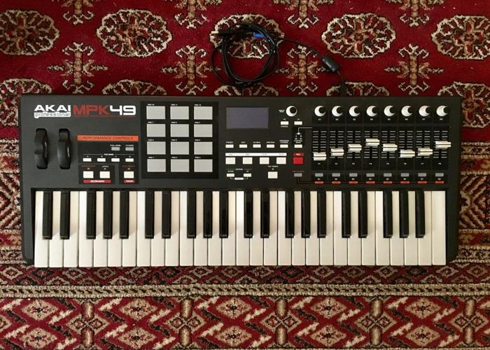 AKAI MPK49 USB/MIDI KEYBOARD - 1