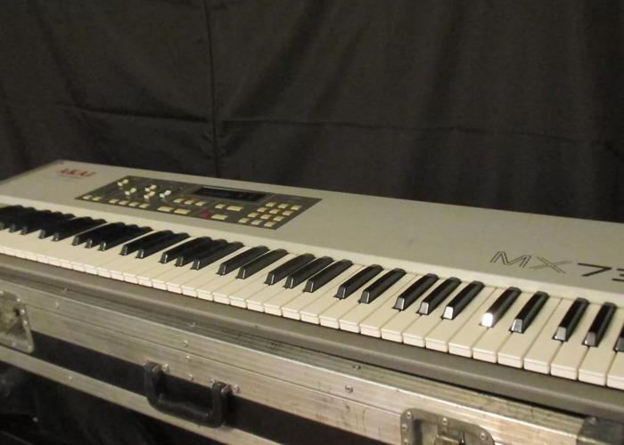 Akai MX73 Midi Weighted Controller Keyboard - 1