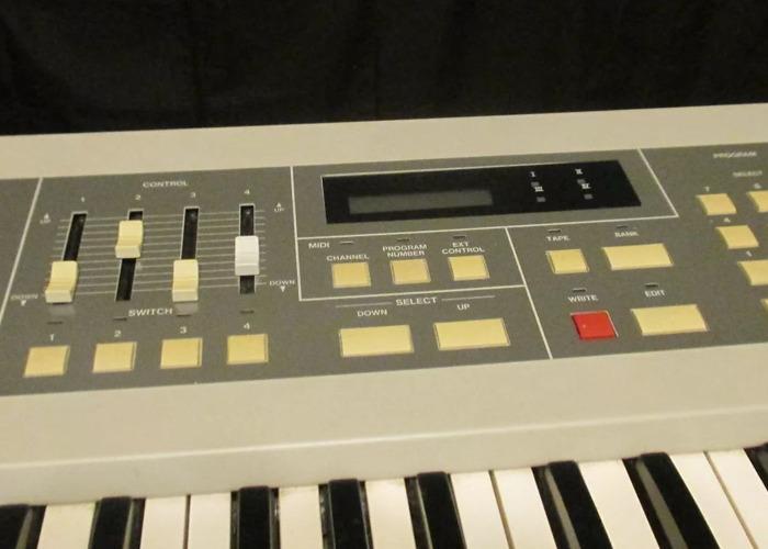 Akai MX73 Midi Weighted Controller Keyboard - 2