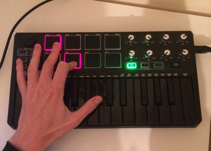 Akai Professional MPK Mini MKII Midi Keyboard - 1