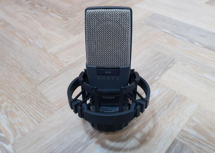 AKG C414B-XLS Condenser Microphone - 1