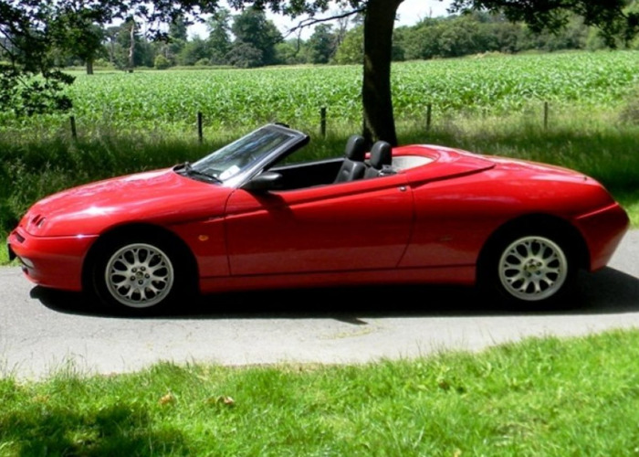 Alfa Romeo Spider Lusso TSpark (2000) - 1