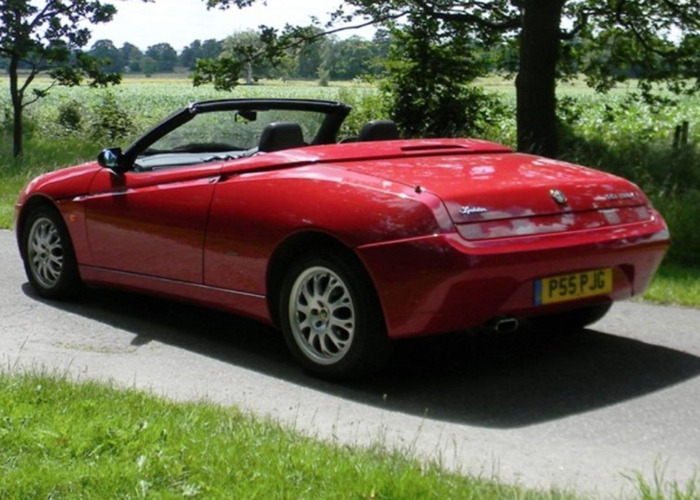 Alfa Romeo Spider Lusso TSpark (2000) - 2