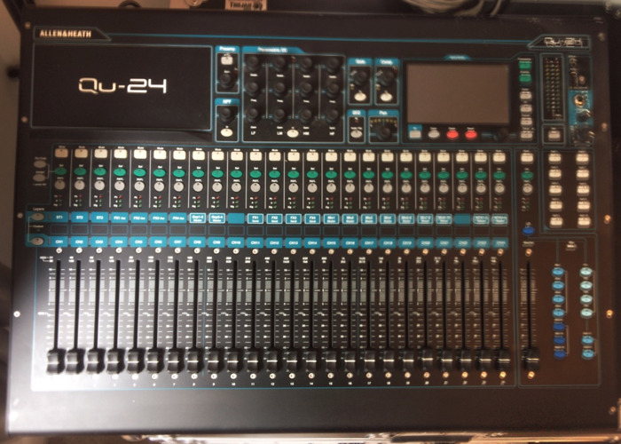 Allen & Heath QU24 Digital Mixing Desk - 1
