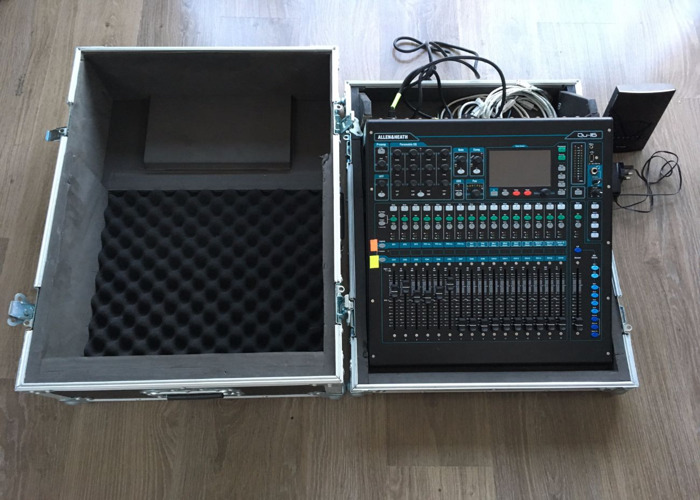 Allen and Heath Qu-16 Digital Mixer (delivery) - 1