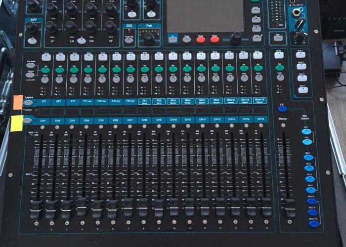 Allen and Heath Qu-16 Digital Mixer (delivery) - 2