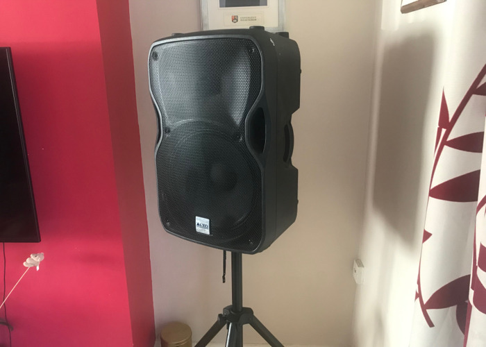 Alto Truesonic TS115A 15-Inch Powered Speakers W Stand x2 - 1