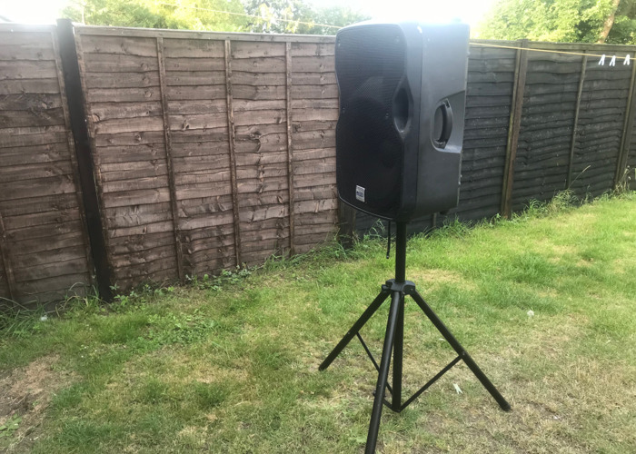 Alto Truesonic TS115A 15-Inch Powered Speakers W Stand x2 - 2