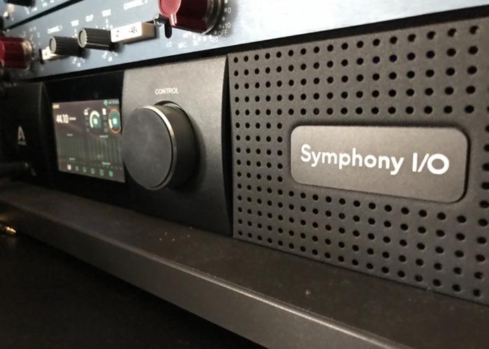 Apogee symphony mk11 touchscreen converters  - 1