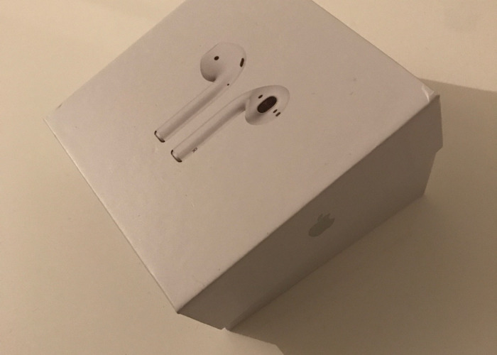 Apple Airpods 2nd Generation with charging case - White - 1