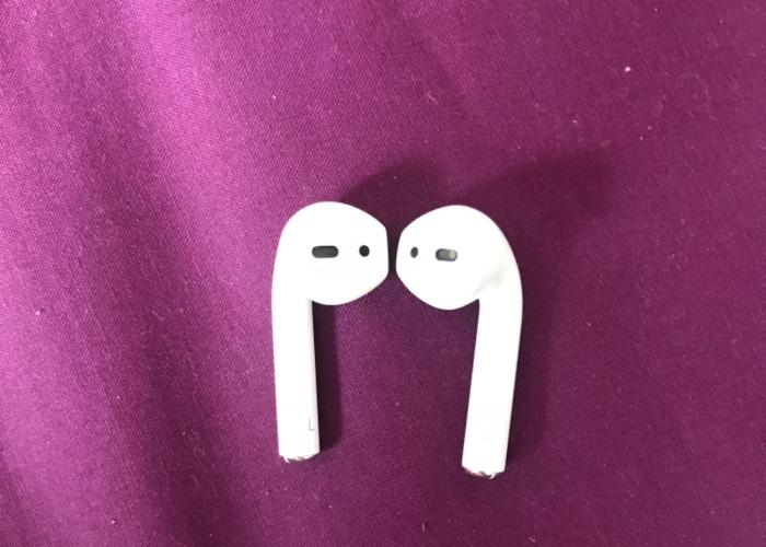 Apple ear pods  - 2