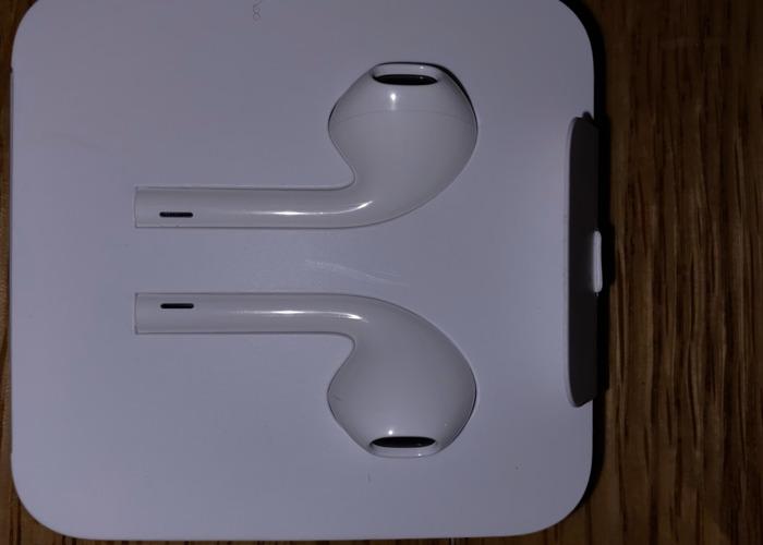 Apple Earpods - 2