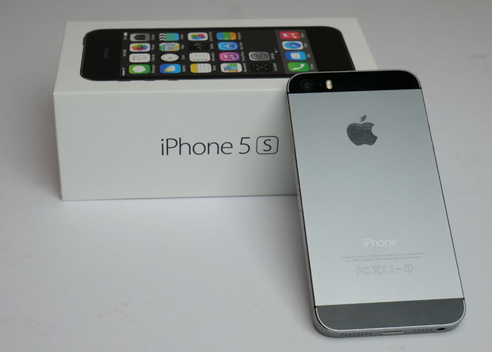 Apple iPhone 5S (Space Grey) - 1