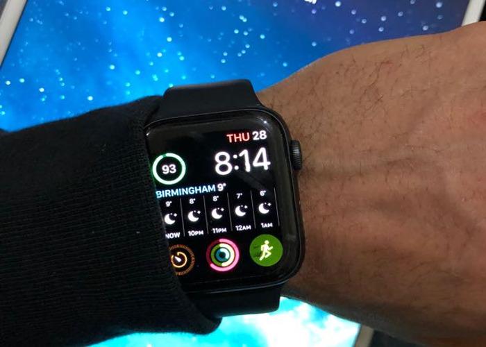 Apple Watch Series 4  (44mm Space Black) - Smartwatch  - 2