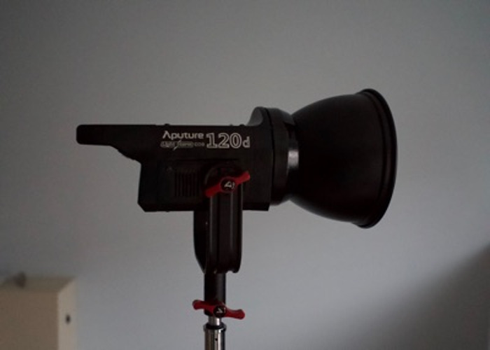 Aputure 120D softbox kit with C stand - 1
