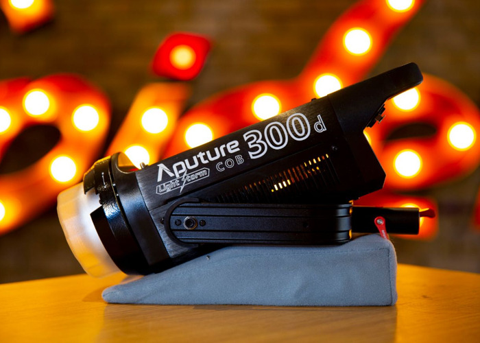 APUTURE 300D : + LIGHTDOME + FRESNEL MOUNT + 20M XLR EXTENSTION - 1
