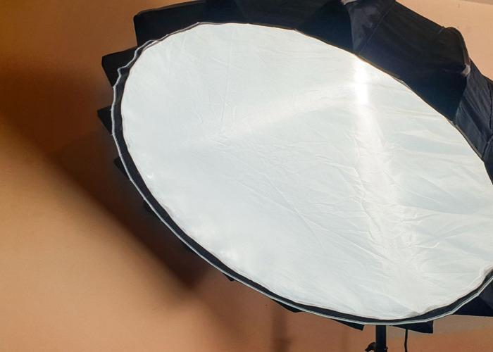 Aputure 300d Mark II, Light Dome II - Film light - 2