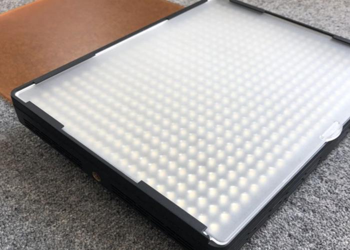 Aputure AL-528W LED Adjustable Light Panel - 2