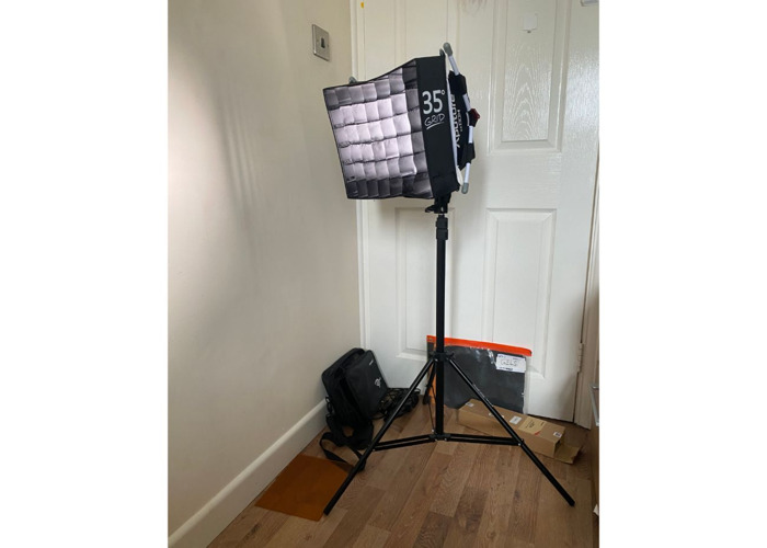 Aputure Amaran AL-528S LED Light Kit + Stand + diffuser  - 1