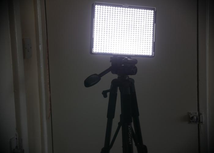 Aputure Amaran Led Light Panel & Ket Direct Tripod  - 2