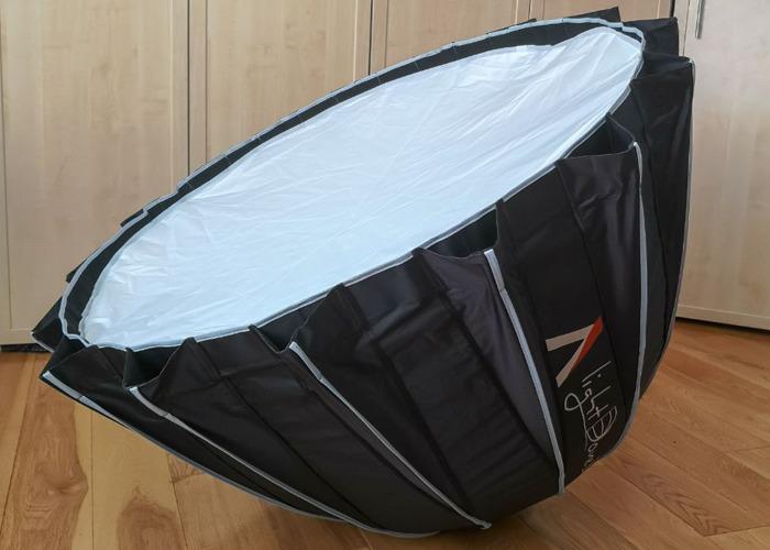Aputure Light Dome II //Bowens Softbox - 1