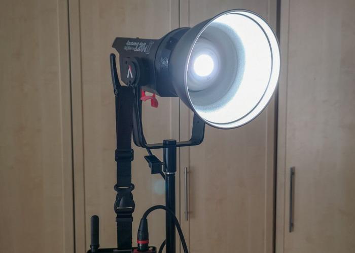 Aputure LS C120d II // Studio LED Video Light - 1