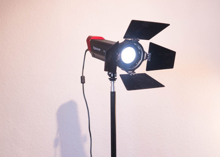 Aputure two lighting kit - 2