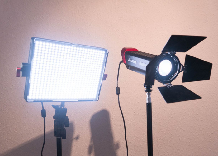 Aputure two lighting kit - 1