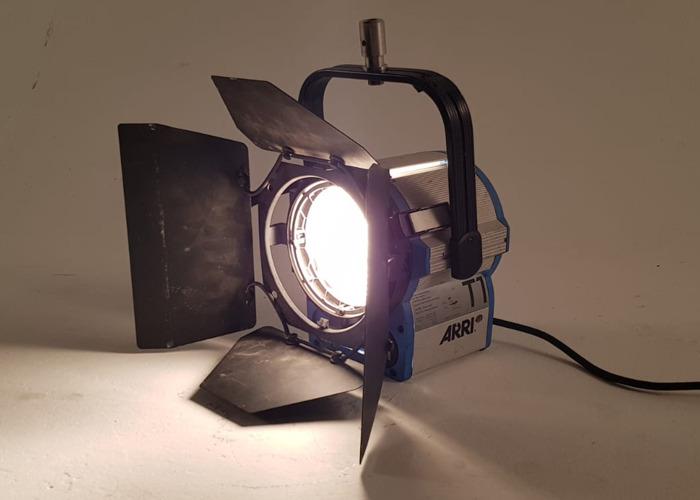 Arri 1K 1000w Watt Fresnel T1 Light - 1