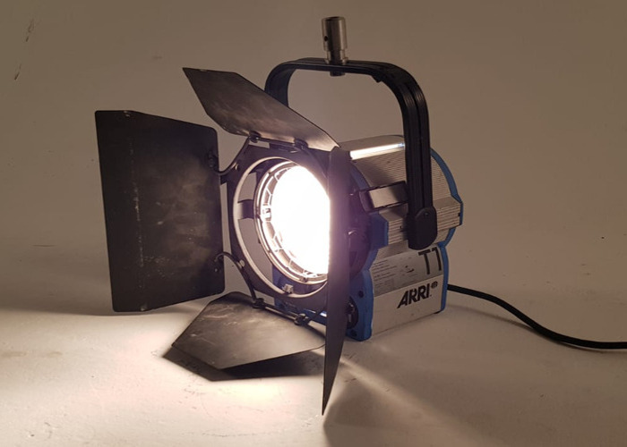 Arri 1K 1000w Watt Fresnel T1 Light - 1