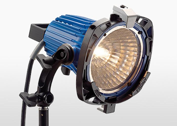 Arri 750+ (1kw Tungsten Open Face Light) - 1