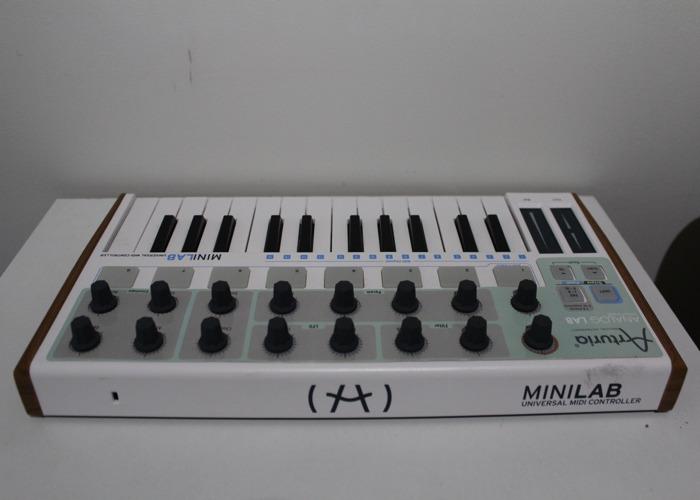 Arturia Micro Lab Controller Keyboard - 2