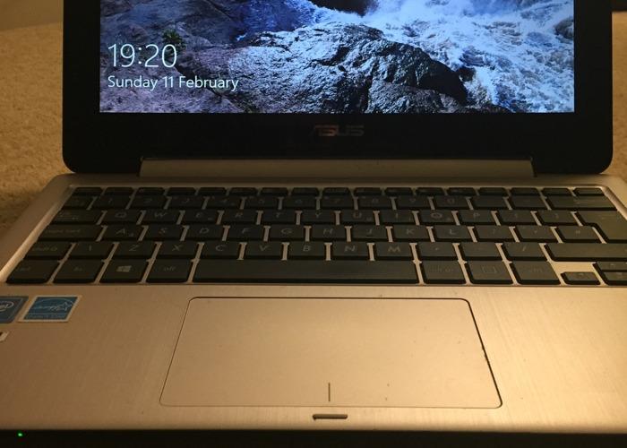 ASUS E205SA laptop, really good condition  - 2
