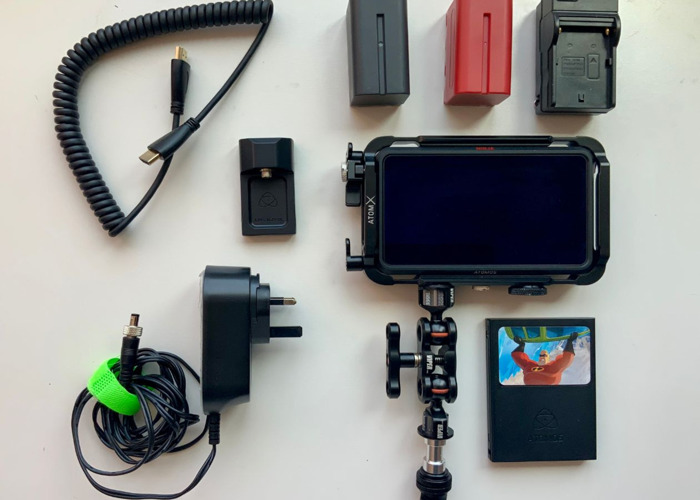 Atmos Ninja V 4k 60 Monitor with Magic Arm and small rig - 1