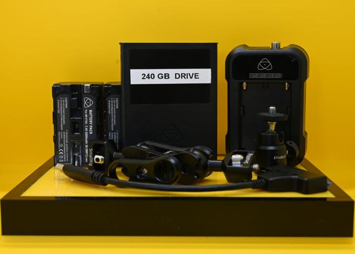 Atomos Ninja V HDR Monitor / Recorder Kit  - 2