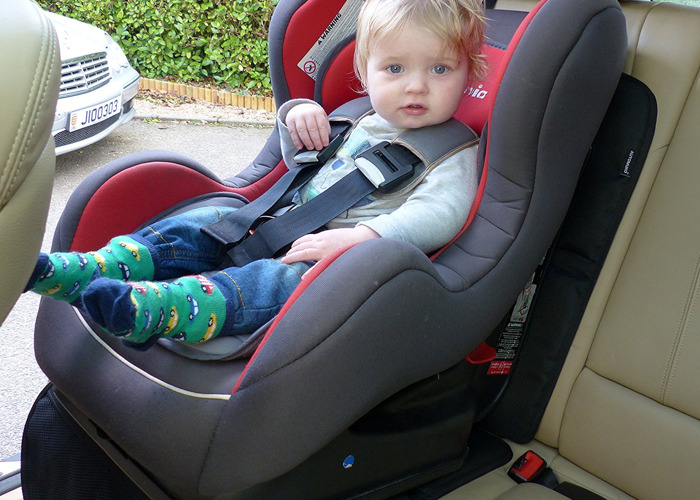 baby and-toddlerchildrens-car-and-booster-seats-all-ages--76106854.jpeg
