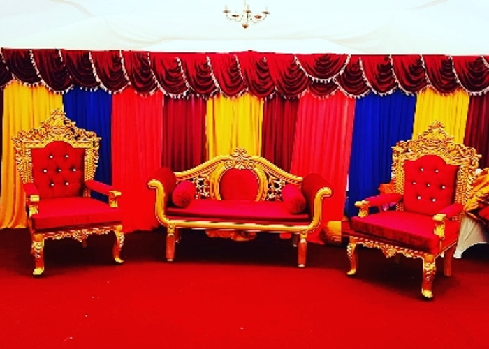 Backdrop and throne set - 1