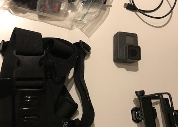 Badass GOPRO Hero 6 Black Action Cam with mounts - 2