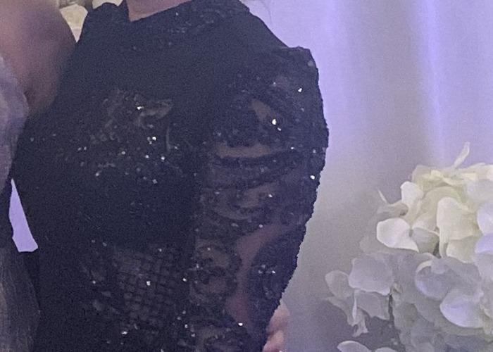 Beautiful long evening black dress size 8 - 2