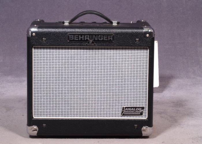 Behringer V-Tone GM-110 Analogue Modeling Amplifier - 1