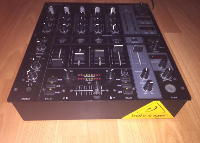 Behringer DJX750 - 2
