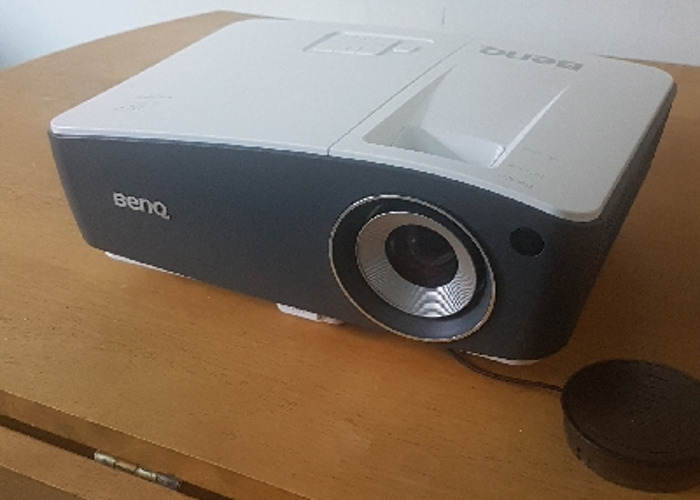 Full HD 1080p 3000 Lumens Benq th670 projector  - 1