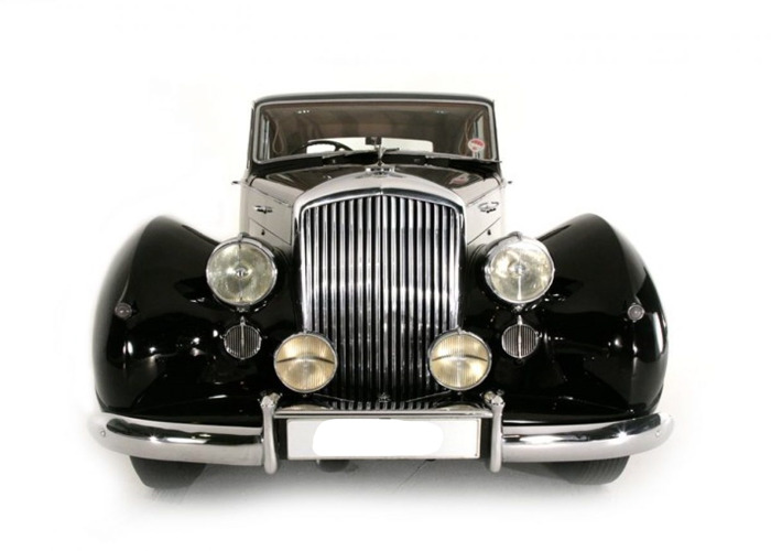 Bentley Mk.VI by Freestone and Webb (1952) - 1