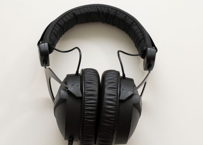 Beyerdynamic DT 770 Pro (32 Ohm) Monitoring Headphones - 1