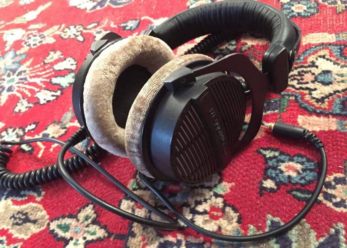 Beyerdynamic DT990 PRO Semi-Open Studio Headphones - 1