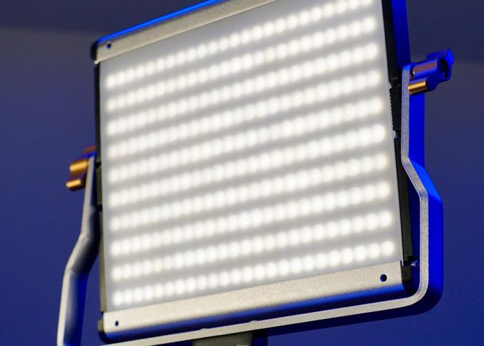 BI-COLOUR LED LIGHT KIT  - 1