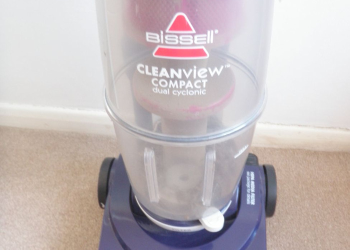 Bissell Cleanview Compact Dual Cyclonic Vacuum. - 2