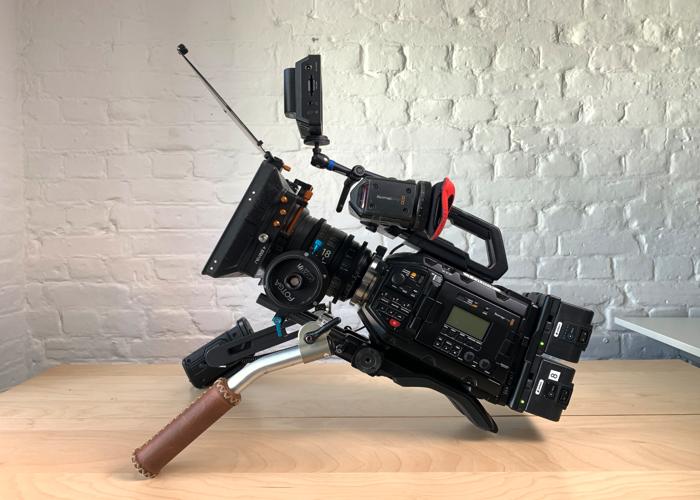 Blackmagic URSA Mini Pro -4.6K - EF & PL - Shooting Kit - 2