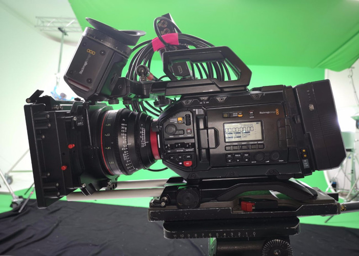 Blackmagic Ursa Mini Pro 4.6k Kit with EF or PL lens Mount - 2