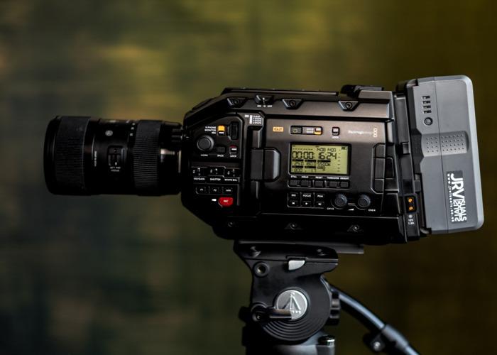 Blackmagic URSA Mini Pro G2 Full Shooting Kit  - 2